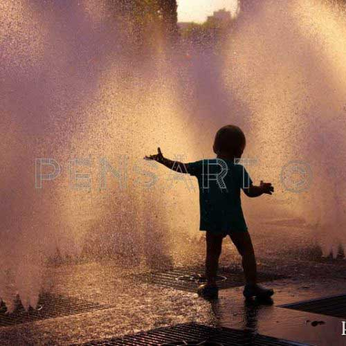 Photo enfant et fontaine