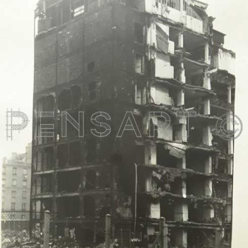 Immeuble en destruction- Photo anonyme