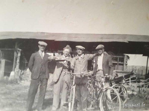 Photographie ancienne- La pause vélo