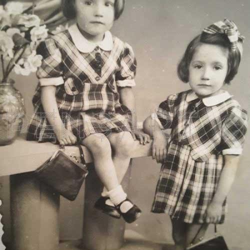 Photo d'époque- Deux sœurs en robe