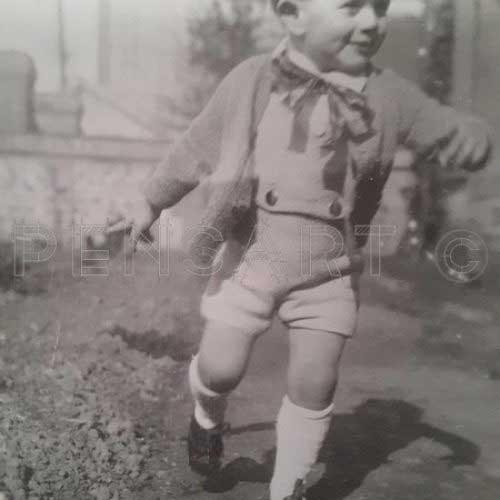 Photo d'enfant en noir et blanc
