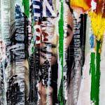 Affiche parisienne déchirée d'une jeune femme