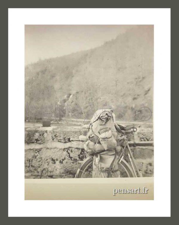 Bagage sur un vélo- Photo noir et blanc