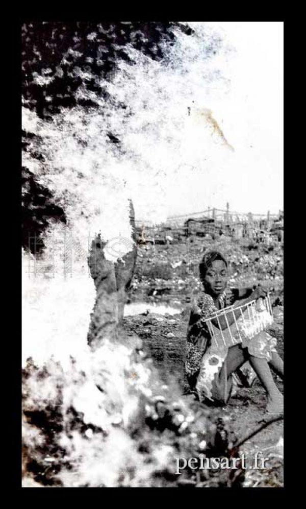 photo-affiche-dechiree-paris-femme-noir-et-blanc