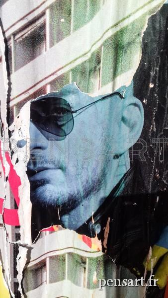 photo-affiche-lacérée-lunette de soleil
